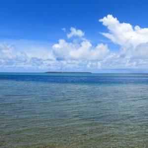 きれいな海に浮かぶ島